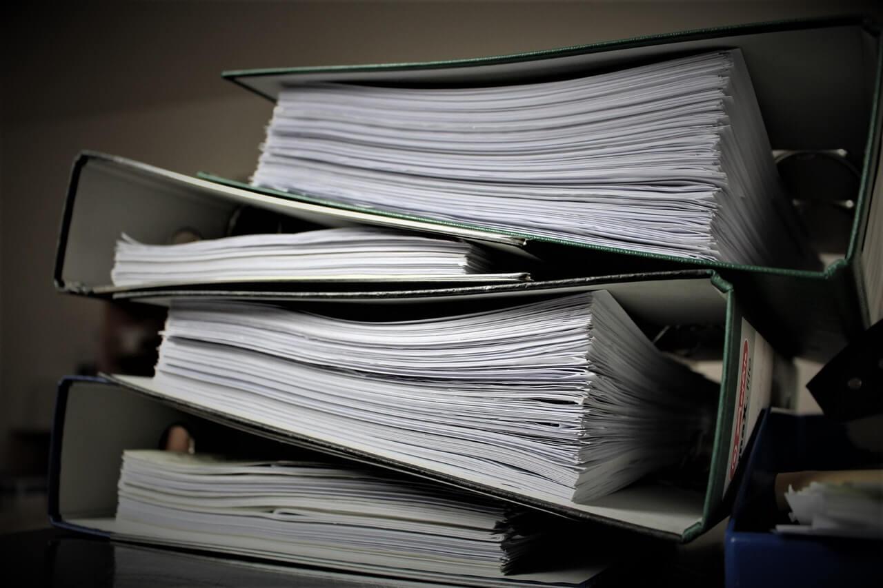 segregatory z dokumentami oświatowymi